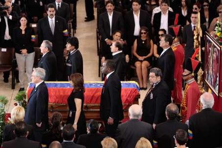 Primera Guardia de Honor de los Jefes de Estado al Presidente Hugo Chávez. Fue encabezada por el Presidente cubano Raúl Castro.