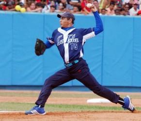 El lanzador de la Isla de la Juventu Wilber Pérez será el abridor por Cuba contra Japón. Foto: Archivo de Cubadebate//Juan Moreno/Juventud Rebelde