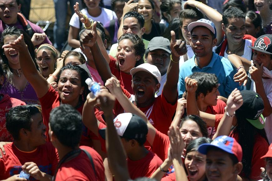 Seguidores del presidente Chávez piden por su salud. FOTO: AFP