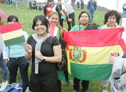 Bolivianas celebran Día de la Mujer.