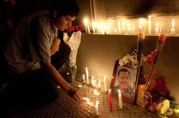 Chávez vive, la lucha sigue.