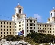 La bandera cubana flamea a media asta, en duelo oficial por el fallecimiento del Presidente de la República Bolivariana de Venezuela, Hugo Rafael Chávez Frías. La Habana, 6 de marzo de 2013. (Fotos Oriol de la Cruz Atencio AIN)