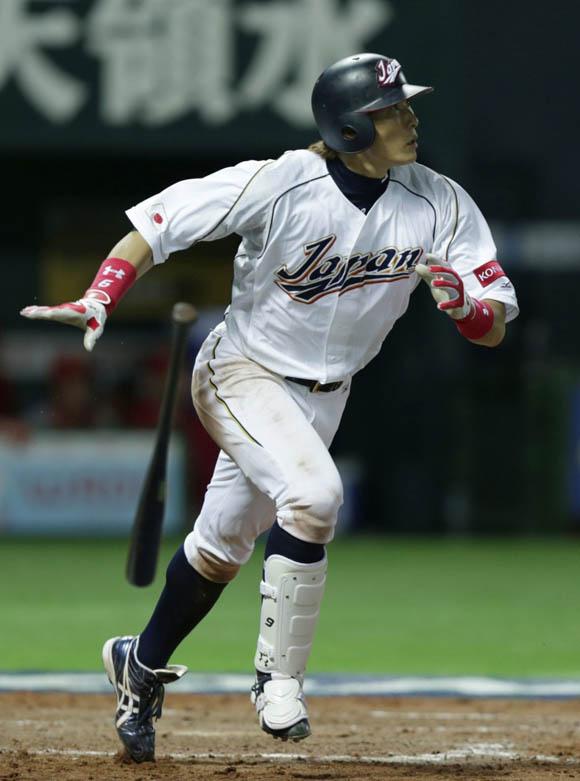 Itoi pegó un doble decisivo. Foto: Yahoo.