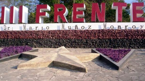 Homenaje de Fidel y Raúl a combatientes del Tercer Frente