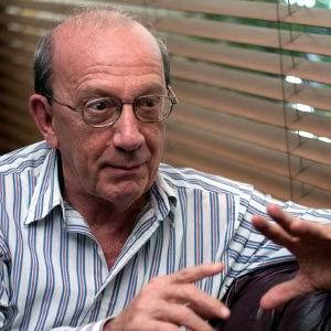 Manuel Pérez recibe título de Doctor Honoris Causa de la Universidad de las Artes