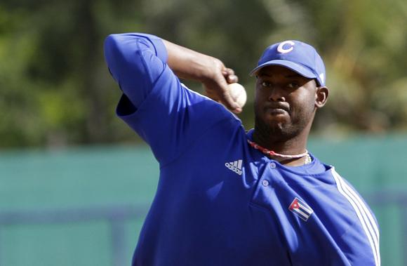 Erlis Casanova, uno de los mejores pitchers del momento. Foto: Ismael Francisco/Cubadebate.