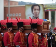 Despedida popular a Chávez