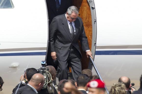 Presidente cubano en Caracas para Cumbre extraordinaria del ALBA