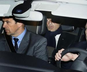 Sarkozy, a la salida del juzgado. Foto: AFP.