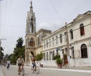 glesia de Los Jesuítas, una de las edificaciones de valor histórico, ambiental y arquitectónico, de la ciudad de Sagua la Grande en la provincia de Villa Clara, Cuba, el 6 de abril de 2013.  AIN   FOTO/Arelys María ECHEVARRÍA RODRÍGUEZ
