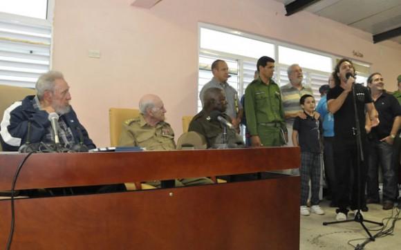El Grupo Moncada, que interpretó la canción Chamamé a Cuba coreada por todos los presentes. oto Estudios Revolución