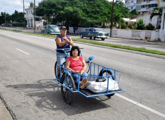 Cubanos en bicicleta