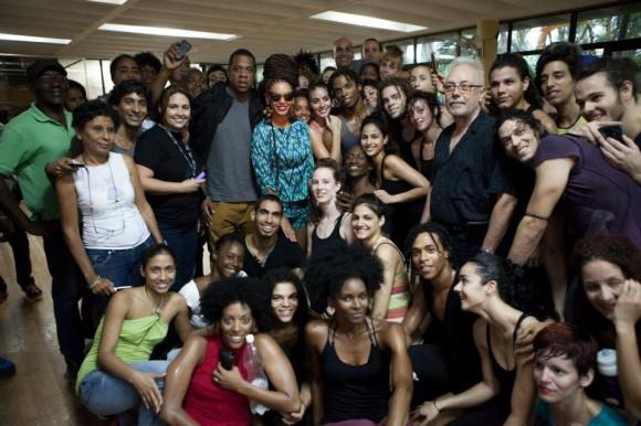Beyoncé y Jay-Z  junto a Danza Contemporánea de Cuba