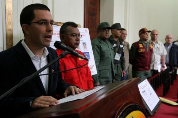 Arreaza y jefes militares denuncian planes de desestabilización