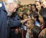 Fidel inauguró complejo docente Vilma Espín Guillois. 9 de abril de 2013. Foto Estudios Revolución.