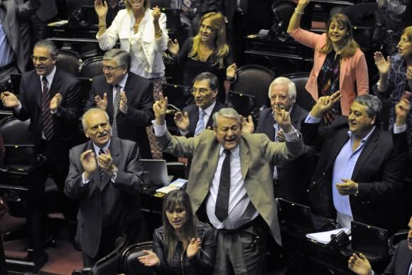 Luego de extensos debates parlementarios argentinos aprueban reformas en Consejo de Magistratura