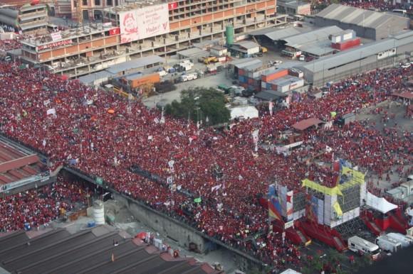 Concentración en Caracas el jueves 10 de abril de 2013 en apoyo a Maduro.