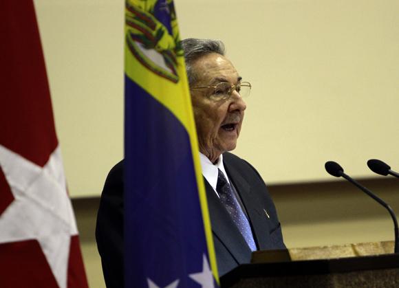 Intervención de  Raúl Castro, presidente de Cuba en la calusura de la Comisión Intergubernamental Cuba-Venezuela. Foto: Ismael Francisco/Cubadebate.