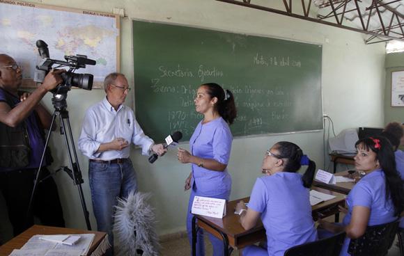 Prensa Nacional y Extranjera intercambia con internas de la Carcel de mujeres de la Habana. Foto: Ismael Francisco/Cubadebate.