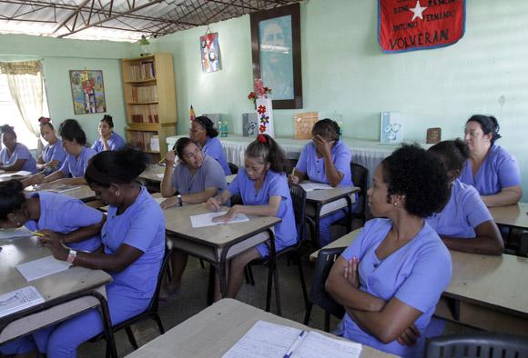 Aula en la Carcel de mujeres de la Habana. Foto: Ismael Francisco/Cubadebate.