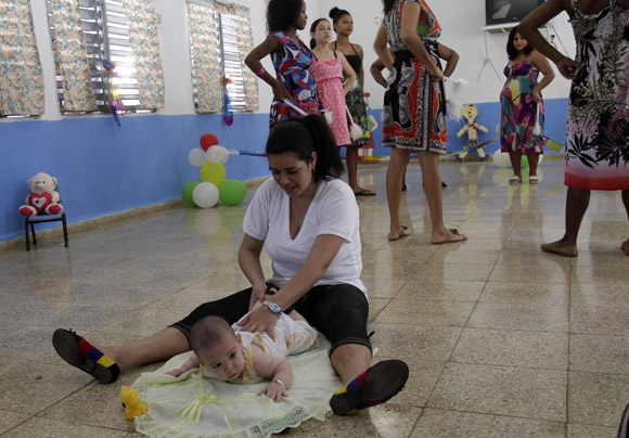 Programa materno infantil, en Carcel de mujeres de la Habana. Foto: Ismael Francisco/Cubadebate.