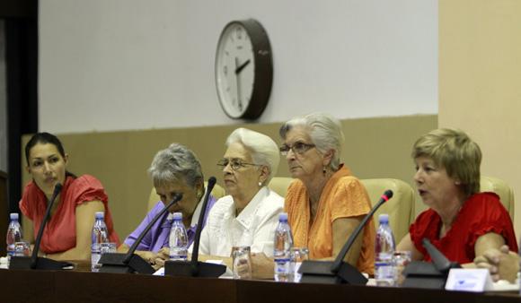 Familiares de los 5 cubanos preson en Estados Unidos, en reunion del Foro de Sap Paulo. Foto: Ismael Francisco/Cubadebate.