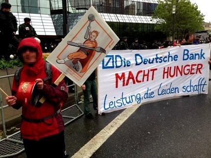 Manifestantes del Movimiento Blockupy