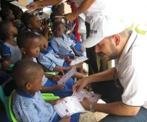 Colaboradores cubanos trabajan en África