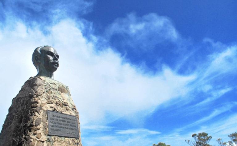 Martí en el Pico Turquino. FOTO: Roberto Morejón