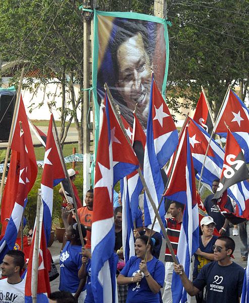 El pueblo de Mayabeque desfila por el Día Internacional de los trabajadores, el 1 de mayo de 2013. AIN FOTO/Carlos CANOVAS CASO/Periódico Mayabeque