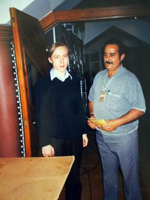 Ruslan Ponomariov y Romelio Milián, en Linares 2002.