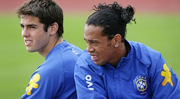 videos de ronaldinho vs kaka: