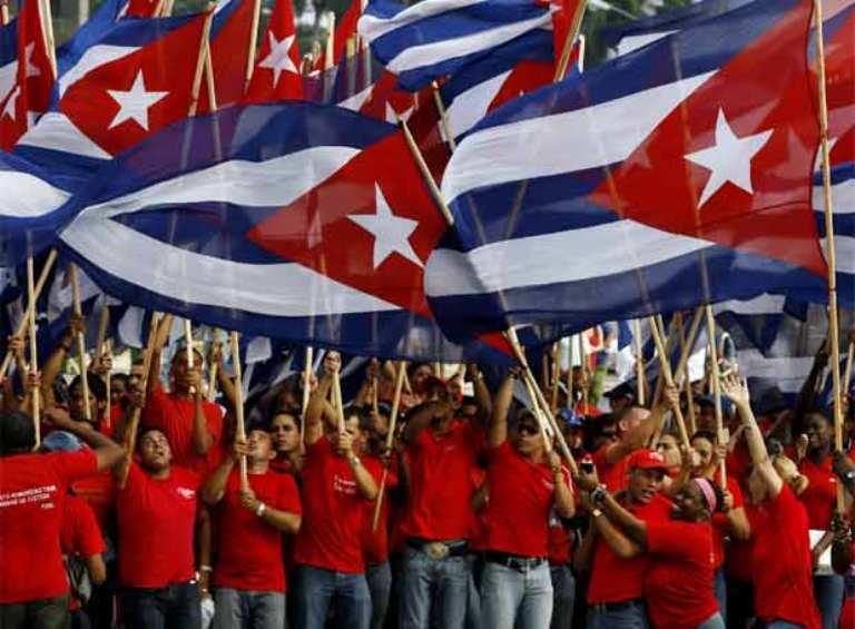 primero-mayo-cuba-banderas