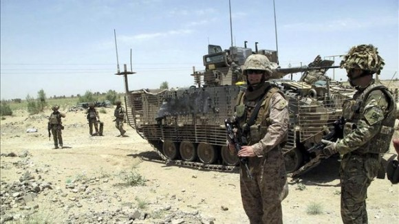 soldados-muertos-ayer-Afganistan-britanicos_EDIIMA20130501_0044_4