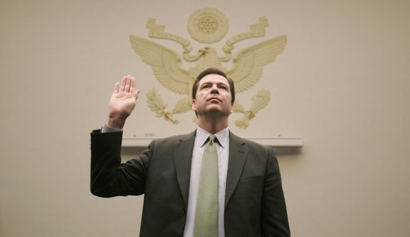 Director del FBI critica a Apple y Google por nuevas medidas de seguridad