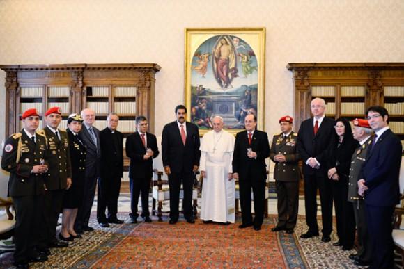Delegación venezolana en el Vaticano. Foto: AFP.