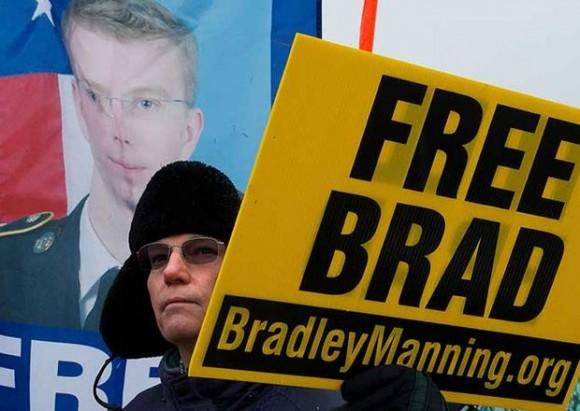 """""""Liberen a Brad""""."""