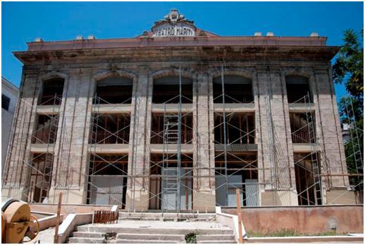 Fachada del Teatro Martí, obra en restauración  Foto Alexis Rodríguez