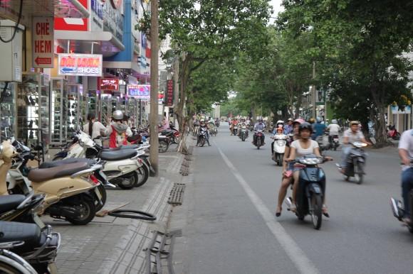 Imagen cotidiana de las ciudades vietnamitas del norte y del sur.. Fotos: Rafael Solís/Cubadebate