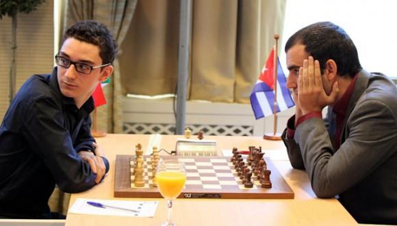 Leinier pacta tablas con Caruana y va segundo en Dortmund