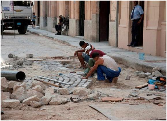 Restauración de Redes en el Centro Histórico de La Habana  Foto Alexis Rodríguez
