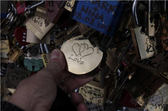La leyenda del puente de los candados de París, Foto: Maribel Acosta