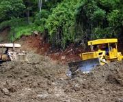 Deslizamiento de tierra en la carretera San Cristóbal-Bahía Honda. Foto: Ladyrene Pérez/Cubadebate.