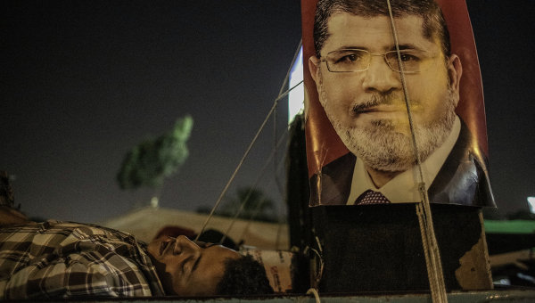 El anuncio sigue a un día de relativa calma a pesar de la exhortación de la Hermandad Musulmana a sus seguidores a proseguir las protestas callejeras para exigir la reinstalación de Mursi.