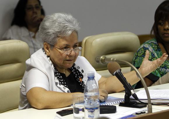 Gladys Bejerano durante los debates de las comisiones permanentes de trabajo de la Asamblea Nacional del Poder Popular. Foto: Ladyrene Pérez/Cubadebate.