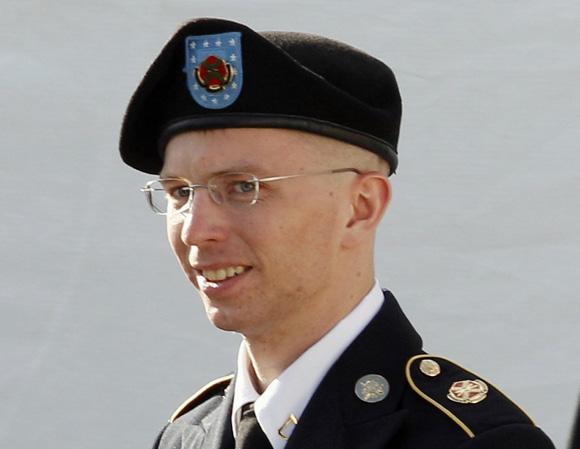 Bradley Manning es acusado de filtrar miles de documentos secretos a Wikileaks