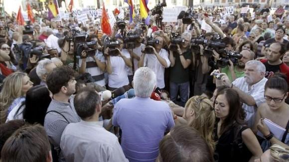 Centenares-personas-maniobras-nulidad-Barcenas_EDIIMA20130730_0630_4