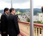 Correa-y-Maduro-en-Cuartel-de-la-Montaña-2