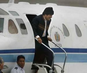 El avión presidencia de Bolivia aterrizó de emergencia en Austria, tras no permitirlesobrevuelo o aterrizaje en Francia, España, Italia y Portugal.