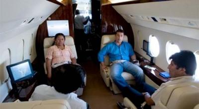 Evo en el avión presidencial